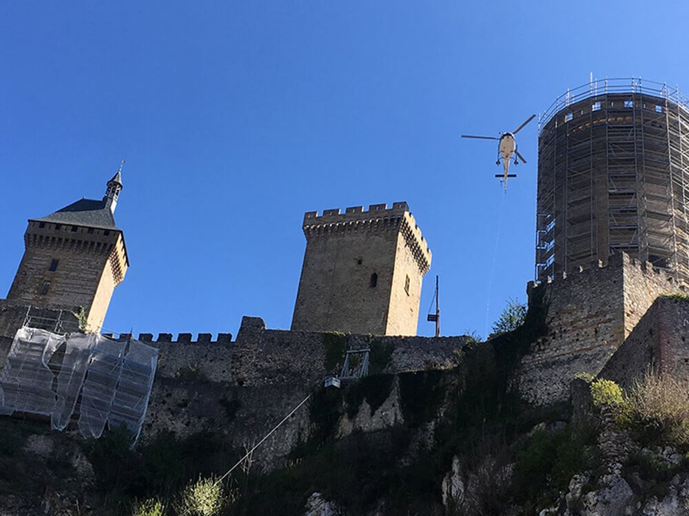 Restoration work on the castle of Foix